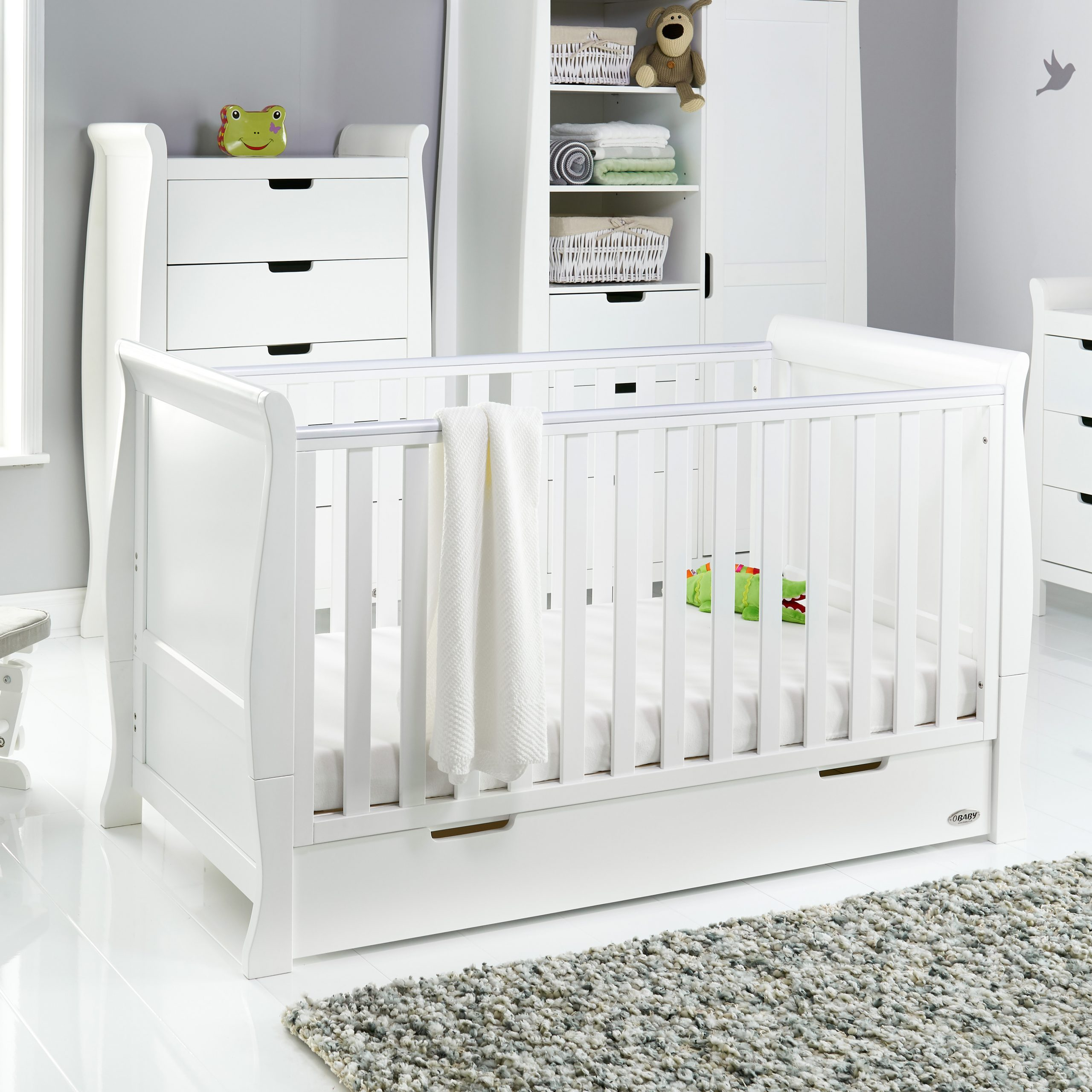 - Stamford Classic Sleigh Cot Bed - White - Obaby