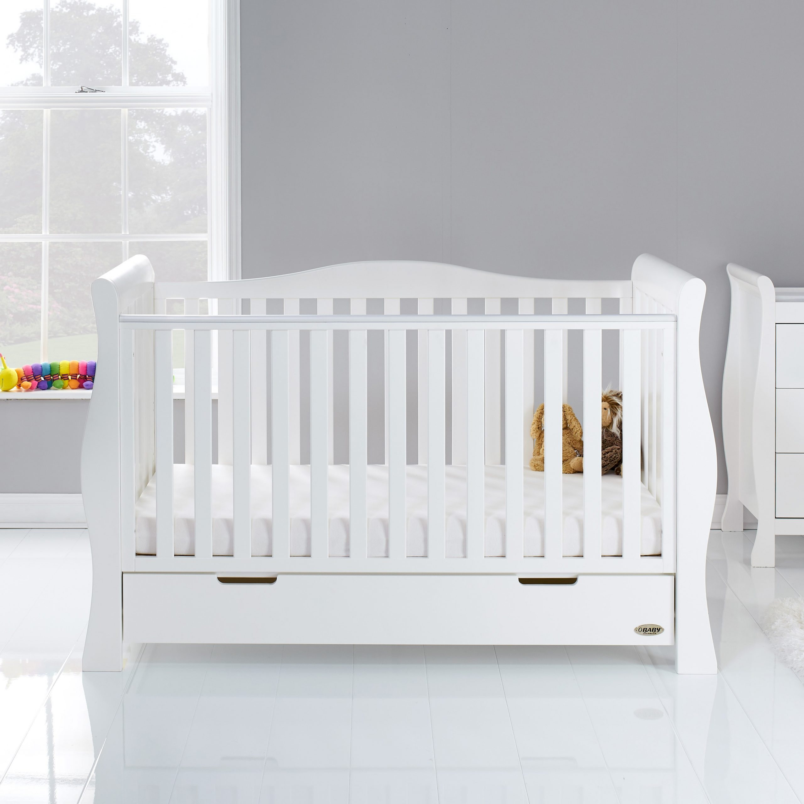 - Stamford Luxe Sleigh Cot Bed - White - Obaby